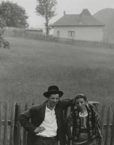 Paul Strand - Pareja, Rucăr, Rumanía, 1967