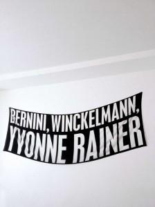 BERNINI, WINCKELMANN, YVONNE RAINER. Joan Morey, 2015 Impresión en seda, 137 x 400 cm.