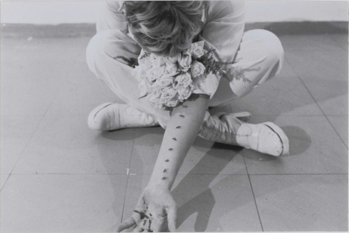 Gina-Pane_Detalle-de-Azione-Sentimentale_1973_18_copy-adagp-vegap-rmn-pompidou